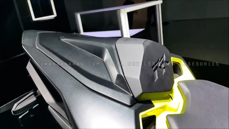 Aksesoris-All-New-Honda-CBR250RR-dua-silinder