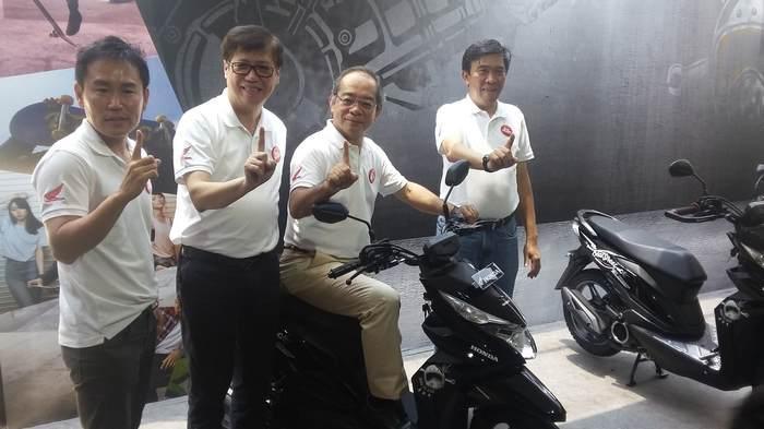 jajaran Petinggi AHM saat merilis Honda BeAT Street