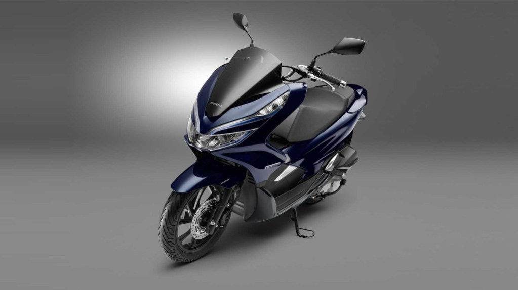 honda pcx modifikasi thailand with Honda Pcx Hybrid 2018 on Honda Pcx Hybrid 2018 further Harga Honda Pcx 2018 Putih 2 besides Honda Forza 125 City Gt further 2013 Honda Crf250l Dual Sport Officially Announced For Us as well Headl  Beat Street 2017 Putih.