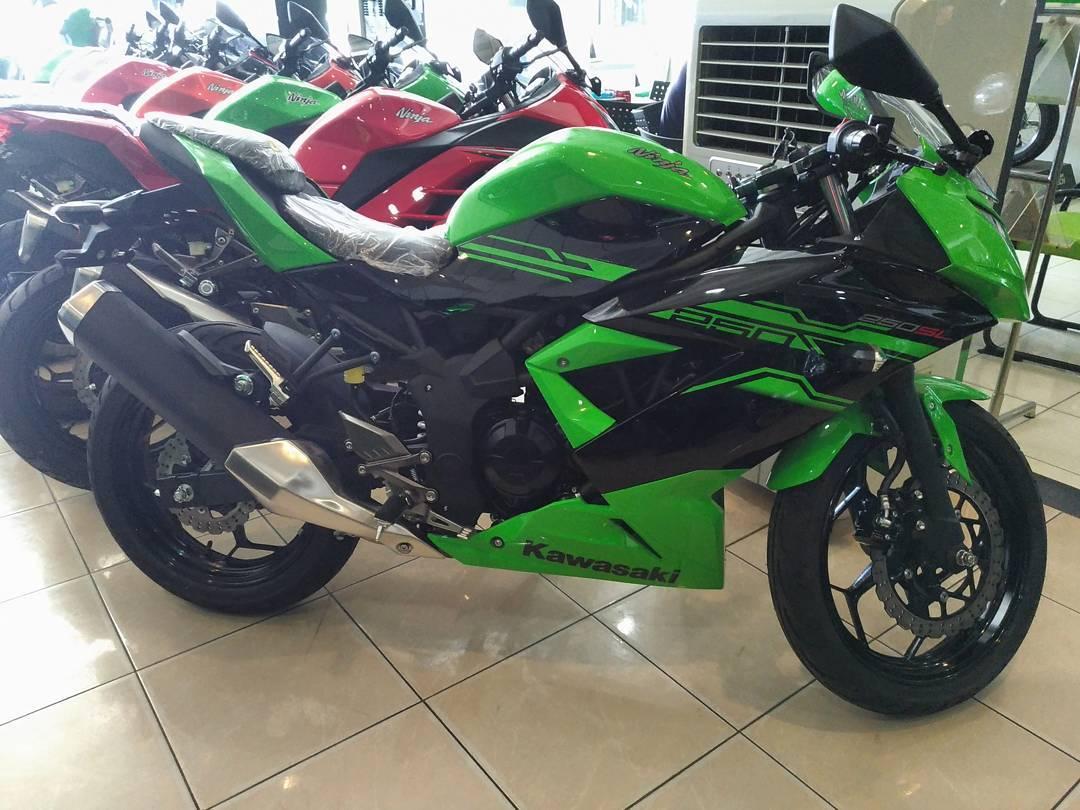 warna-baru-ninja-250-sl-2017