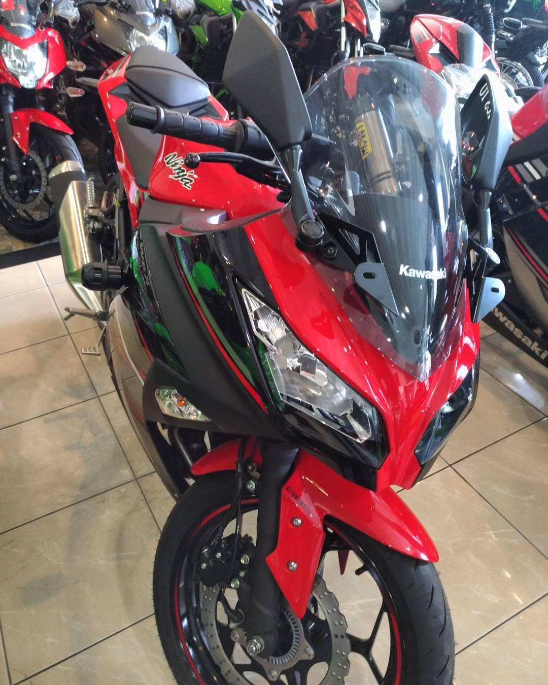 6 Warna Baru Kawasaki Ninja 250 Fi 2017 Intip Spesifikasi Dan Harga