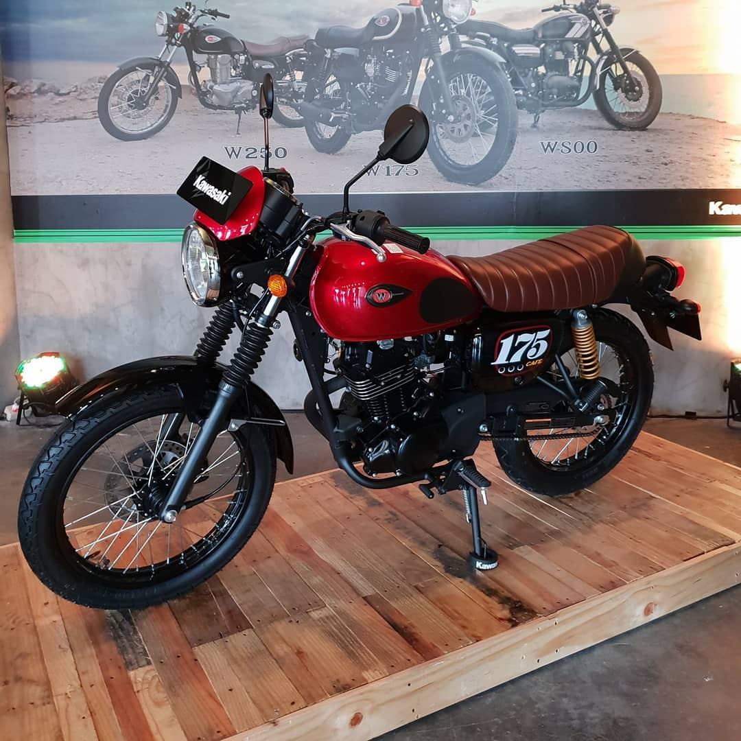 W175 Cafe Racer Merah
